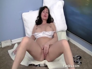 young looking d like to fuck plays with pussy and