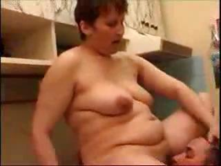 chubby brunette mom blows and fucking one of her