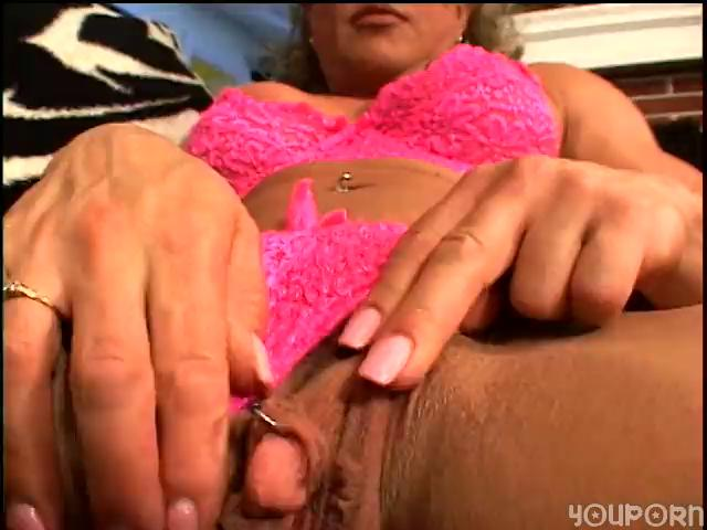 older latina fingers her cookie for us