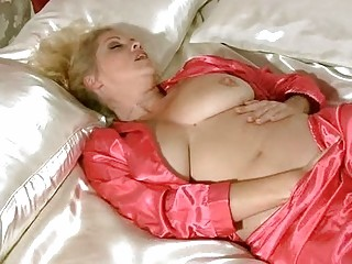 busty mother i in underware rubbing for big o