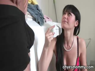 Super sexy mature stepmom fucks her stepdaughters