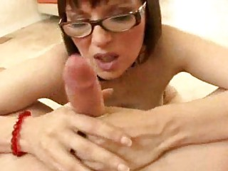 breasty mother i with glasses becomes a oral-sex