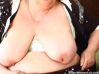 fat granny with big love bubbles fucks a dildo