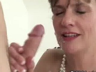 horny older lady sonia gets a ejaculation