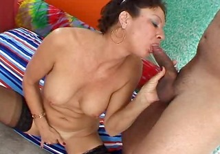 vanessavidel-latin mother