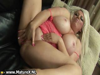 chunky aged mama cums hard from fucking part6