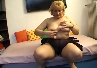 fat older fucks herself - telsev