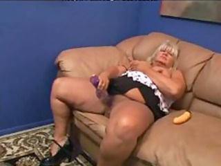 sexy 58 older big beautiful woman getting fucked.