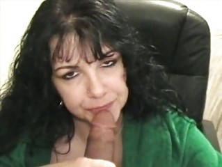 Mature gets cumload in ass