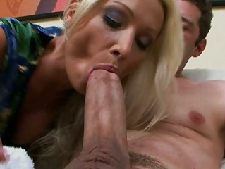 sexy euro mommy wamts threesome big american