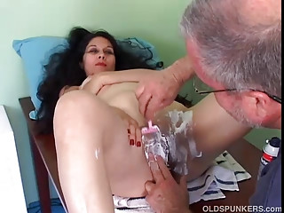 glamorous mature latin babe acquires her cookie