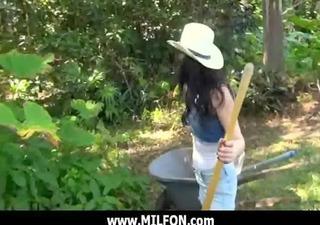 large cock man hunts very hawt cougar milfs 25